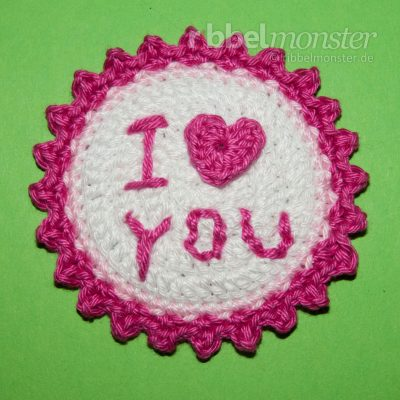 "Crochet Button ""I love you"""