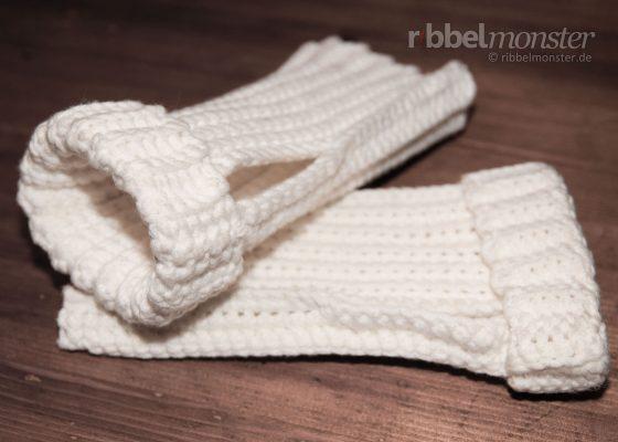 Crochet Simple Wrist Warmers without Increasing & Decreasing