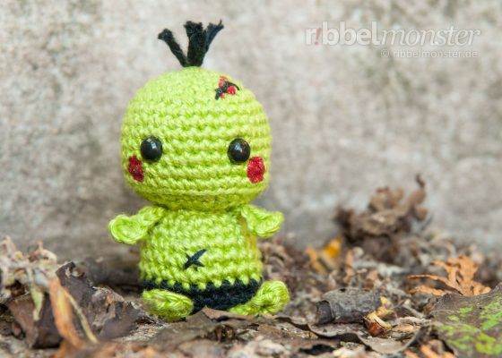 "Amigurumi – Minimee Crochet Zombie ""Ouk"""