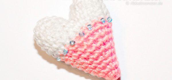 Amigurumi - Crochet smallest Tilda heart - crochet pattern