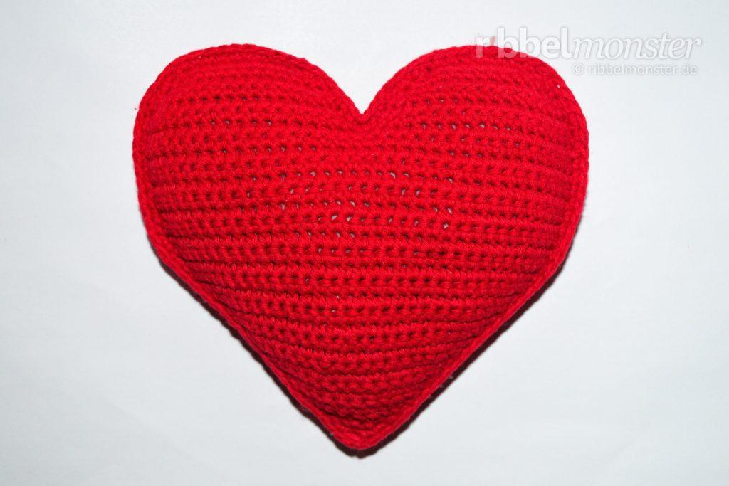 Crochet Small Heart Pillow Darling Free Pattern Ribbelmonster