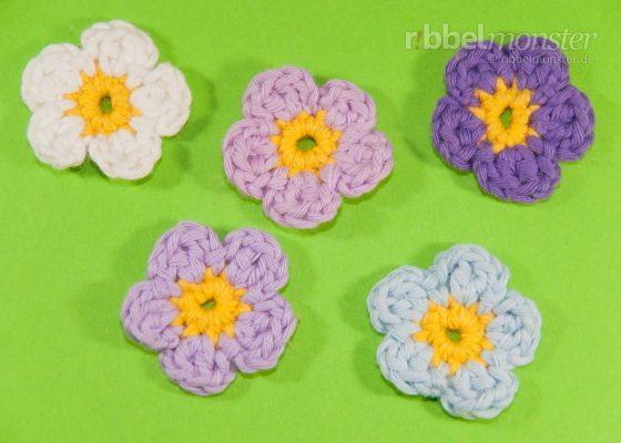 Crochet Flowers – Small 5-Leaf Flower