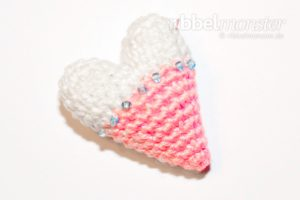 Amigurumi - Crochet smallest Tilda heart - crochet pattern