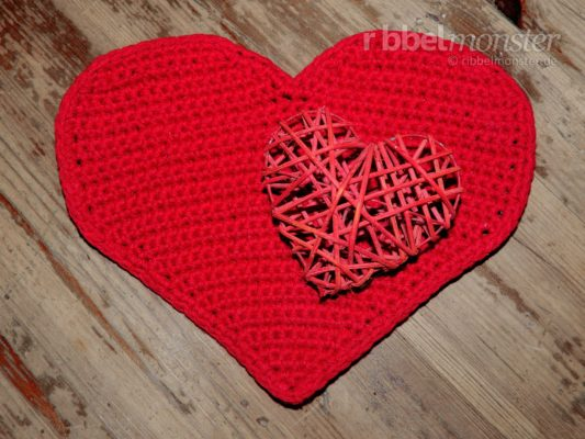"Crochet Small Heart ""Darling"""